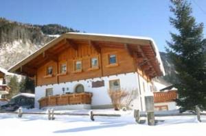 Das Landhaus Johanna in Dorfgastein im Winter.